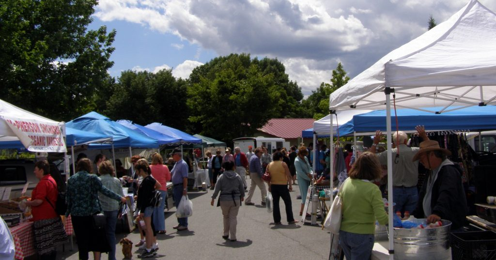 Early morning Wenatchee Market 2007